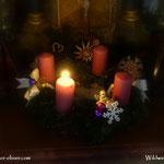 ....Adventkranz in der Waldhauserkapelle, zum Gebet kurz angezündet.....