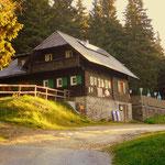 Es geht vorbei an der Kaltwiesen Hütte