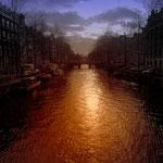 ... ein Blick in die Grachten von Amsterdam