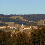 ....ein kurzer Stück entlang am Barbara Sicharterweg, ein Blick nach Wenigzell...