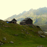 nach der Pause auf der Giglachseehütte noch eine Seeumrundung durchgeführt, hier geht es vorbei an der Ignaz-Mattis-Hütte