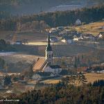 ....es geht weiter, ein Blick nach Pischelsdorf, mit dem markanten Kirchturm......