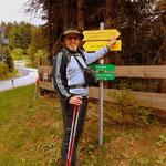 ...auf den Schanzsattel. Somit ein Teilstück vom Steirischen Voralpenweg 740 abgeschlossen.