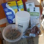 Keckerchen und Futter-Ergänzungsmitte