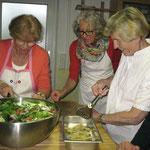 Salat mit Wildkräutern