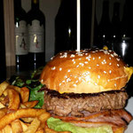 Burger du restaurant Monsieur, 80 bd Richard-Lenoir 75011 Paris
