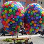 Vorbereitung Massenstart, 2.000 Ballons gasgefüllt