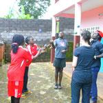 5-er-Stern: Die Profi-Jongleure lernen ein neues Jongliermuster