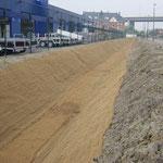 Protection d'un fossé drainant par natte coco renforcée type 400 - A l'installation