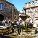 Saignon : place de la Fontaine