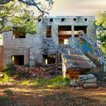 Les ruines taguées de la Sérignane