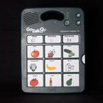 GoTalk9+: Sprachausgabegerät - durch Druck auf die neun mit Symbolen kennzeichenbaren Tastenfelder gibt das Gerät zuvor aufgenommene Geräusche oder Mitteilungen wieder
