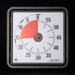 TimeTimer - die deutlich sichtbare rote Scheibe wird mit Ablauf der Zeit kleiner und zeigt so die noch verbleibende Zeit an.