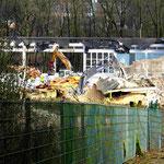 Die Sporthallen werden niedergelegt.