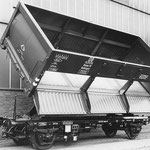 1955: SEAG Hubkipper Ommu für die DB, gekippt (Werkfoto SEAG)