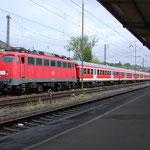110 436 Bh Köln-Deutzerfeld mit RB-Zug abgestellt in Siegen im Mai 2006