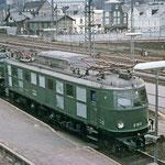 Lokführerschulung auf E19 011 Bw Hagen-Eck vor Zug nach Giessen 1968