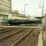 110 317 Bw Dortmund Bbf mit InterRegio Richtung Frankfurt in Weidenau am 1. November 1990
