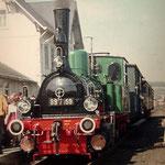Deuz am 01.05.1971: Sonderzug mit der Moll'schen T3 (89 7159) im Bahnhof Deuz