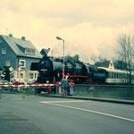 Dreis-Tiefenbach 1995: Sonderfahrt mit 52 8121 der Eisenbahnfreunde Betzdorf (Aufnahme: Sammlung Burkhard Schneider, Weidenau)