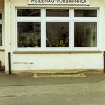 Weidenau 1990: das Gebäude des Weidenauer Vorbahnhofs existiert noch immer (Aufnahme: Dr. Richard Vogel, Berlin