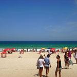 Dieser Strand war hammer. Supergroße Wellen und schön warmes Wasser.