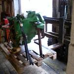Hilfsgestell für das Getriebeteil für den Transport zur John Deere Werkstatt