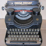 Orga Privat in schwarz Originalzustand heute nach fast 20 Jahren Garage-Pension