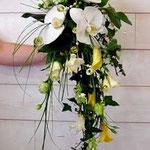 Le Bouquet chutte de la mariée