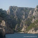マルセイユの旧港から島や岬を廻るボートツアーに参加。