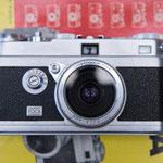 レンズはOPLAR 3.5/35mm。純正フィルター付き。これがすぐ取れるし...