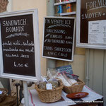 ローマの遺跡の残るアルル。そこでは闘牛肉のサラミのサンドイッチ。