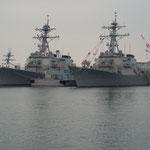 アメリカ海軍駆逐艦ジョン・S・マケインとミサイル駆逐艦マスティン