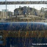 ディーゼルの排気で展望車の窓もこんなに汚れました