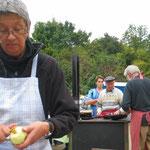 Apfelringe am NABU-Stand auf dem Herbstmarkt im Wormser Erlebnisgarten