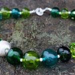 Hohlperlenkette grün ergänzt mit Silberteilen 925