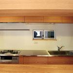 コンパクトながらも機能性に優れたキッチン。使い勝手も抜群!