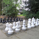 Lichtblick Tagespflege - Schachfeld im Garten