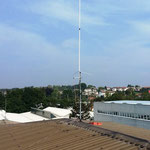 antenna montata prima del sollevamento..