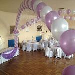 Eine Nylon Girlande. Kann mit uni 30 cm Ballons erstellt werden für 15€ pro Meter.