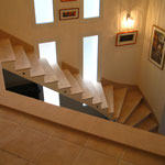 Escalier sur voûte sarrasine ( Ph. Gaillard/M. Lebon)