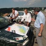 Bürgermeister Barnier signiert auf unserer Tourkarte