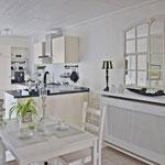 Offene Küche im Cottage-Stil