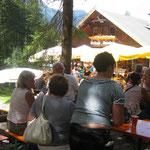 beim Stuibenfallfest im Waldcafe