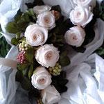 白薔薇のブレスレット
