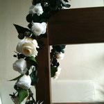 白薔薇とブルーベリースワロフスキー 花冠