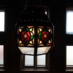 憧れの燕山荘にはステンドグラスのライトがありました。