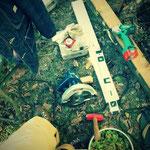 小屋作りも遊びの一つ