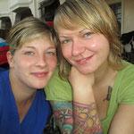 Samantha Schwartz, Rettungsassitentin und Daniela Forler, Krankenschwester