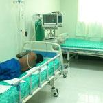 der erste Patient nach der Operation im Aufwachraum